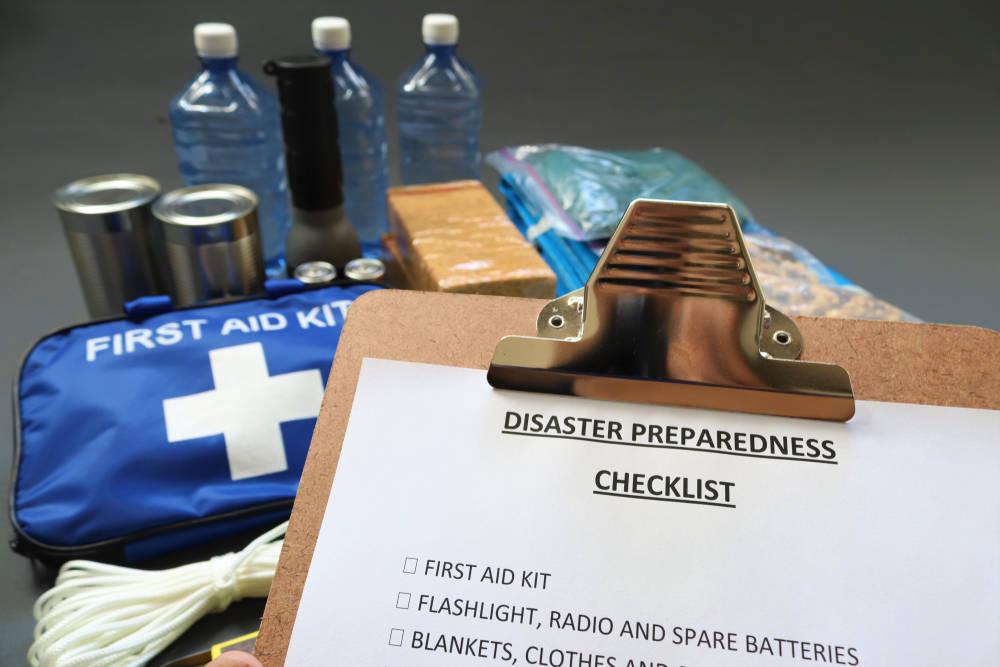 Cómo preparar un plan y un kit de emergencias para tu empresa